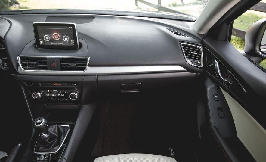 2015 Mazda 3 2.5L hatchback - Slide 20