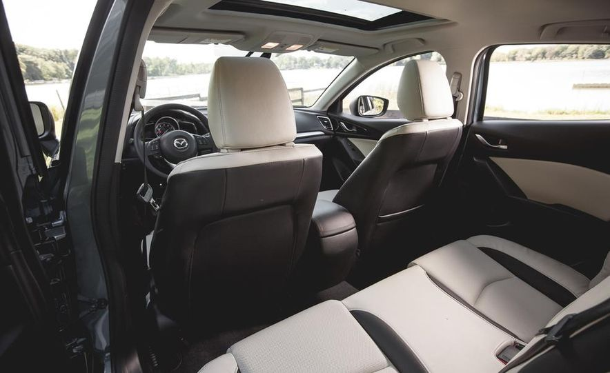 2015 Mazda 3 2.5L hatchback - Slide 26