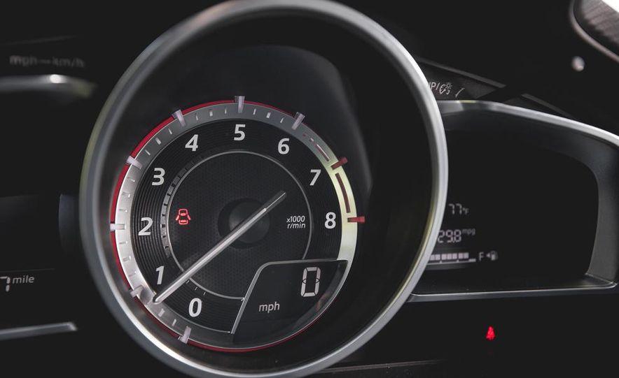 2015 Mazda 3 2.5L hatchback - Slide 30
