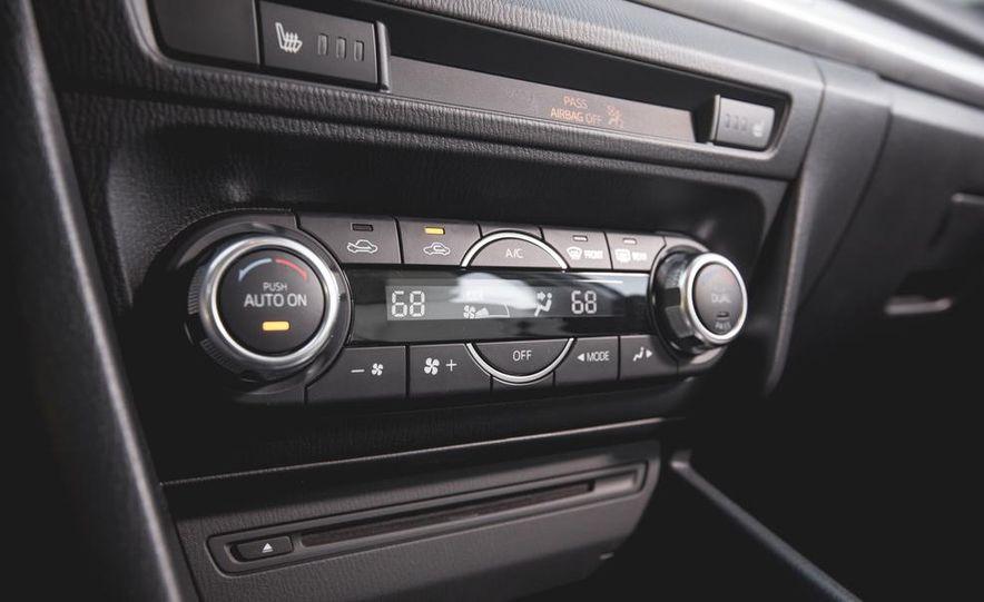 2015 Mazda 3 2.5L hatchback - Slide 34