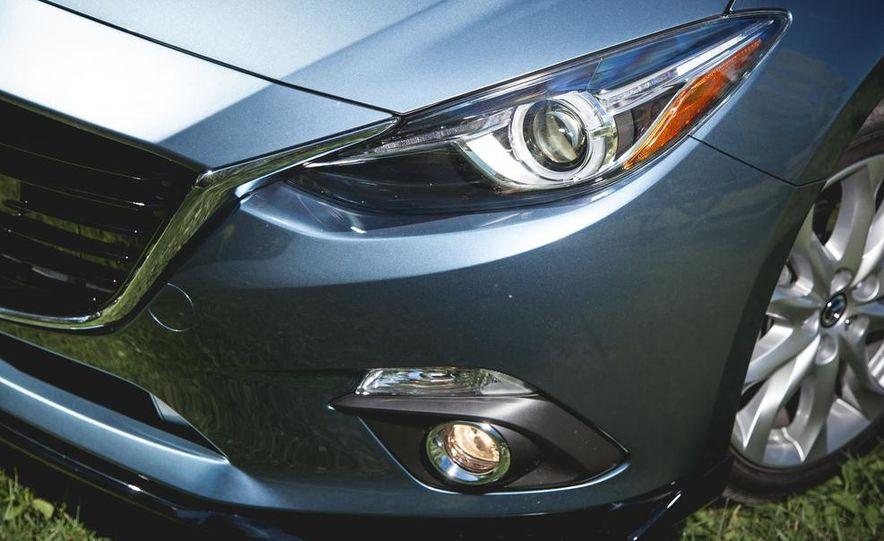 2015 Mazda 3 2.5L hatchback - Slide 3