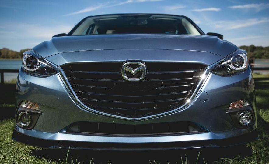 2015 Mazda 3 2.5L hatchback - Slide 6