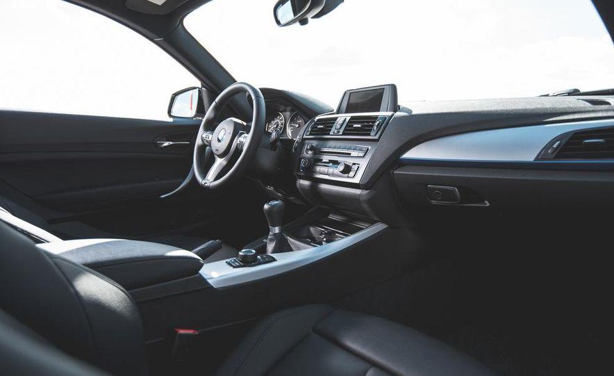 2014 BMW M235i coupe - Slide 12