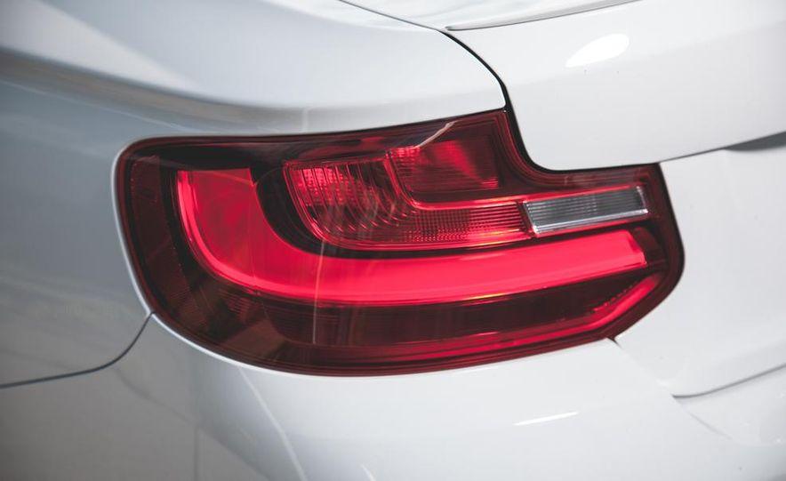 2014 BMW M235i coupe - Slide 9