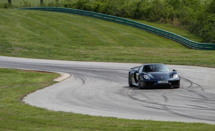 Lightning Lap 2014: Porsche 918 Spyder