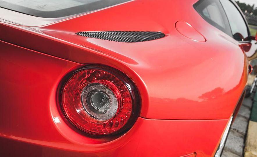 2014 Ferrari F12berlinetta - Slide 17