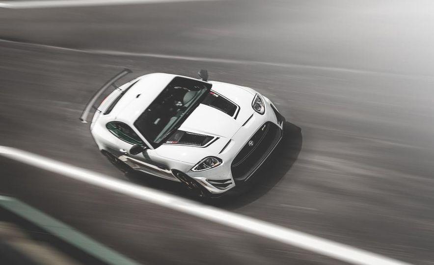 2014 Jaguar XKR-S GT - Slide 1