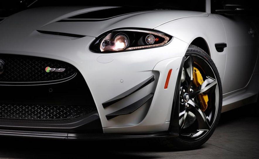 2014 Jaguar XKR-S GT - Slide 12