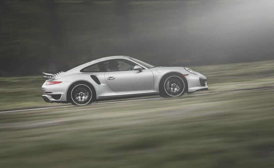2014 Porsche 911 Turbo S - Slide 3