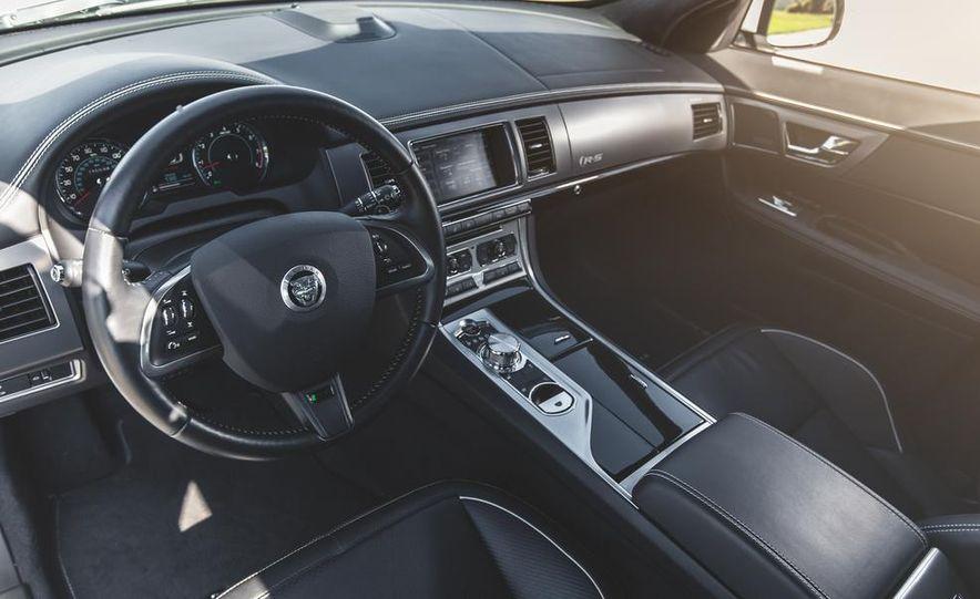 2014 Jaguar XFR-S - Slide 29
