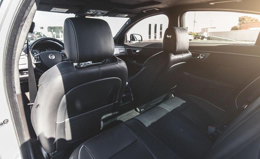 2014 Jaguar XFR-S - Slide 32