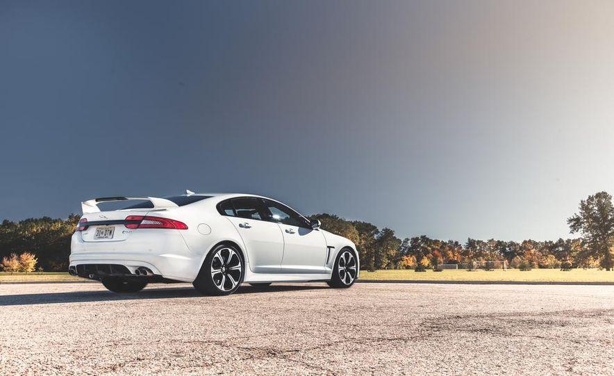2014 Jaguar XFR-S - Slide 10