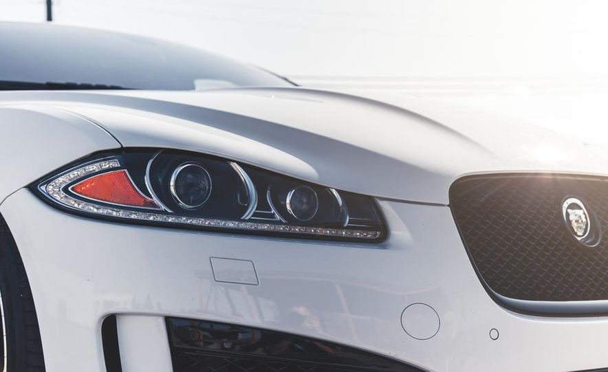 2014 Jaguar XFR-S - Slide 18