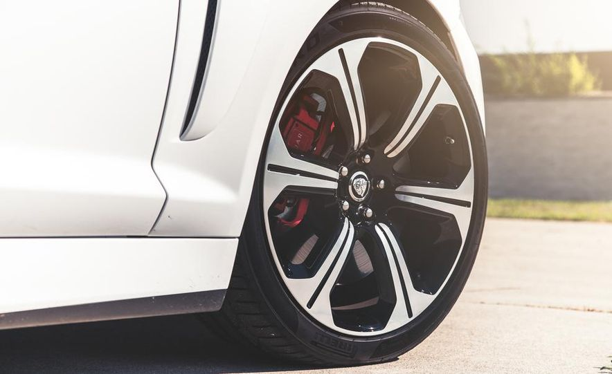 2014 Jaguar XFR-S - Slide 21