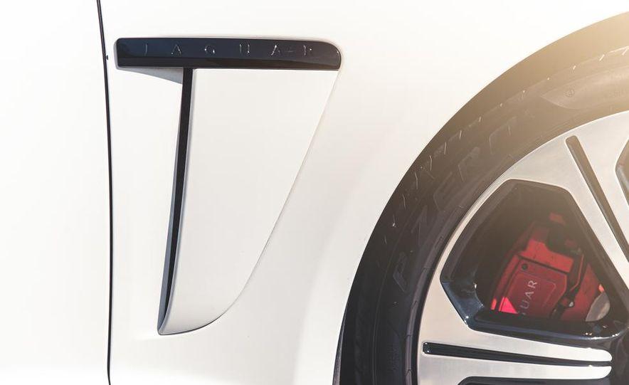 2014 Jaguar XFR-S - Slide 22