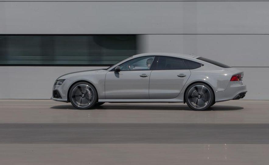 2014 Audi RS7 - Slide 12