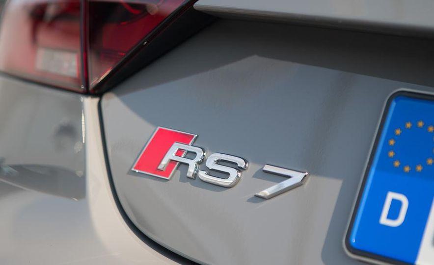 2014 Audi RS7 - Slide 17