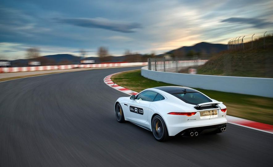 2015 Jaguar F-type R coupe - Slide 12