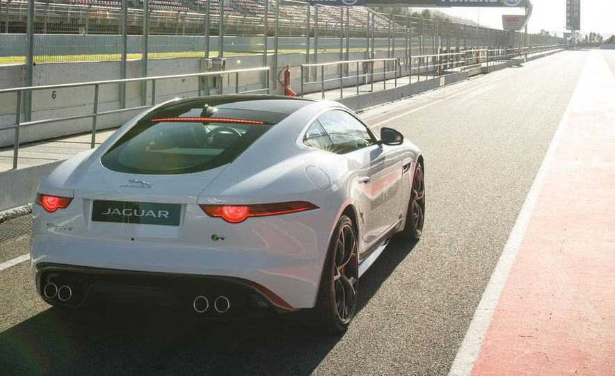 2015 Jaguar F-type R coupe - Slide 23