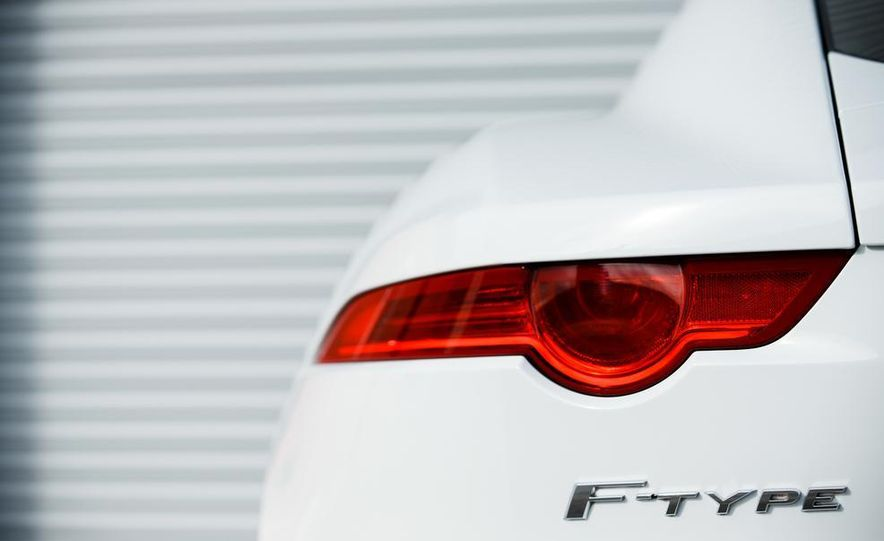 2015 Jaguar F-type R coupe - Slide 34