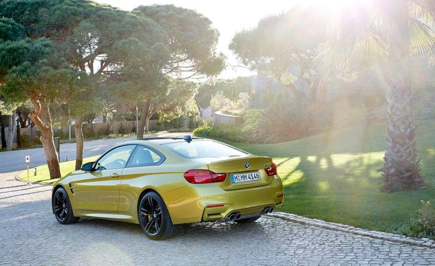 2015 BMW M4 coupe - Slide 18