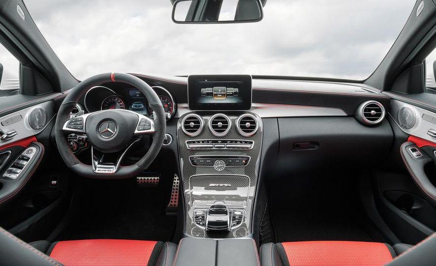2015 Mercedes-AMG C63 S-Model - Slide 30