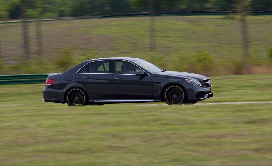 2014 Mercedes-Benz E63 AMG S-Model 4MATIC - Slide 1