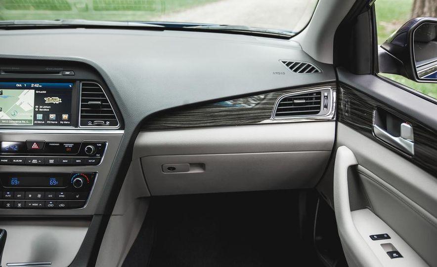 2015 Hyundai Sonata 1.6L Eco - Slide 27