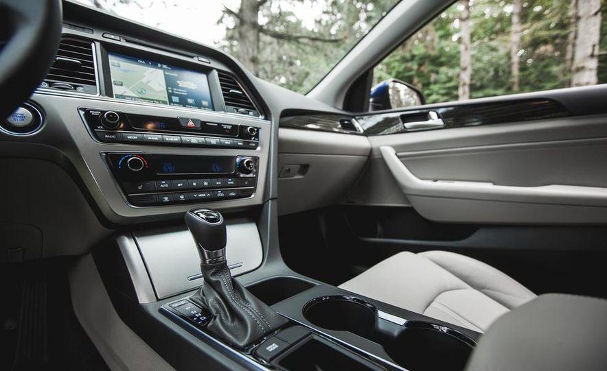 2015 Hyundai Sonata 1.6L Eco - Slide 34