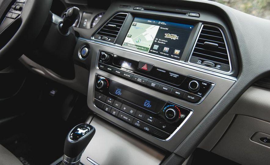2015 Hyundai Sonata 1.6L Eco - Slide 35