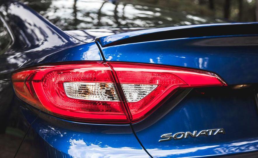 2015 Hyundai Sonata 1.6L Eco - Slide 16