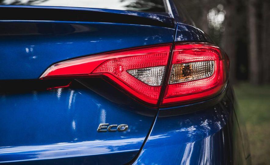 2015 Hyundai Sonata 1.6L Eco - Slide 18