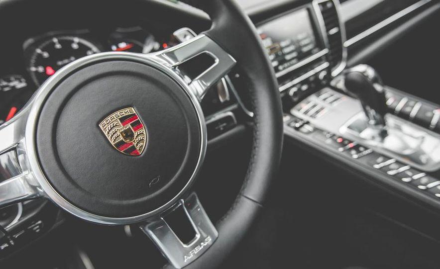 2014 Porsche Panamera Turbo S Executive - Slide 30