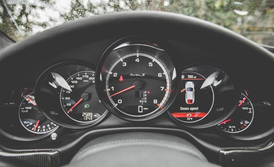 2014 Porsche Panamera Turbo S Executive - Slide 32