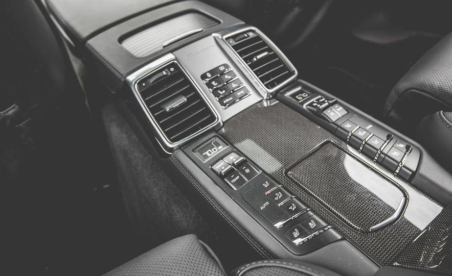 2014 Porsche Panamera Turbo S Executive - Slide 36