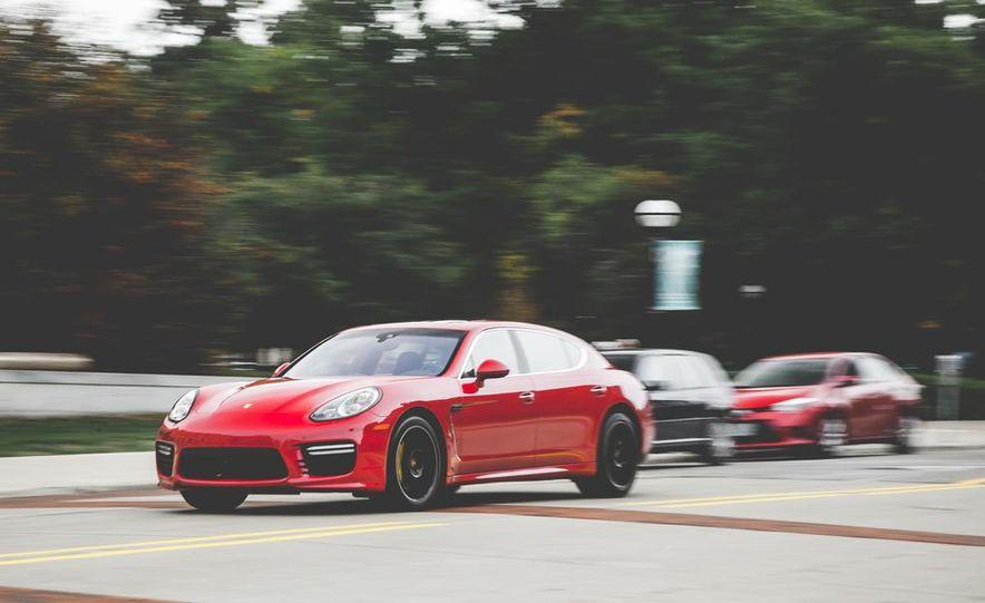 2014 Porsche Panamera Turbo S Executive - Slide 2