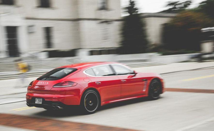 2014 Porsche Panamera Turbo S Executive - Slide 7