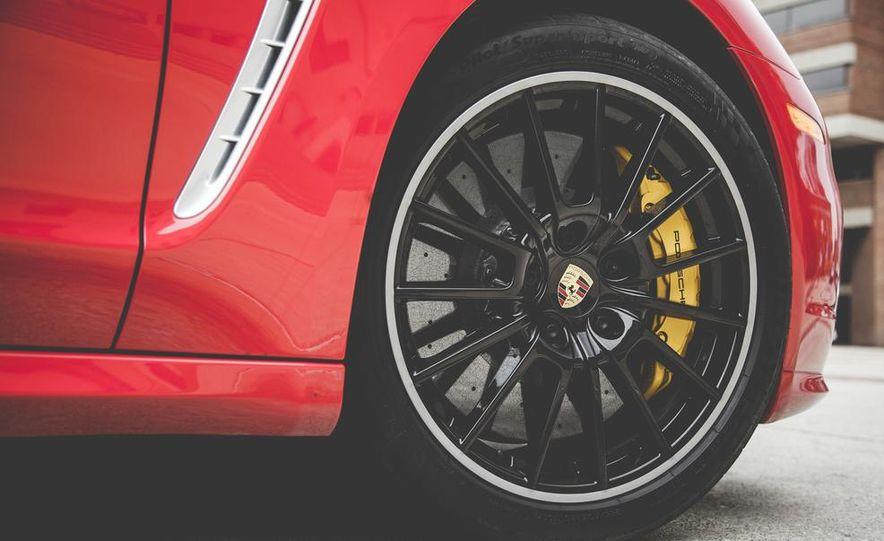 2014 Porsche Panamera Turbo S Executive - Slide 17
