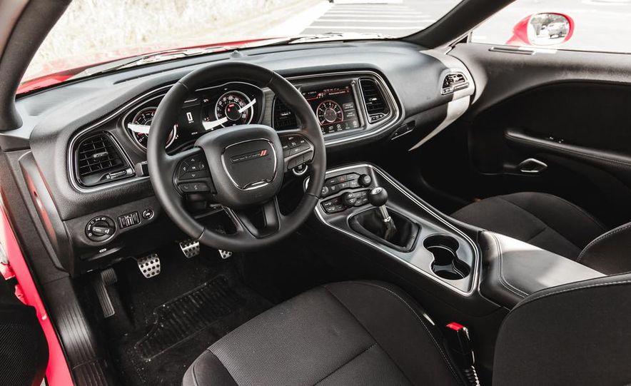 2015 Dodge Challenger R/T Scat Pack - Slide 25