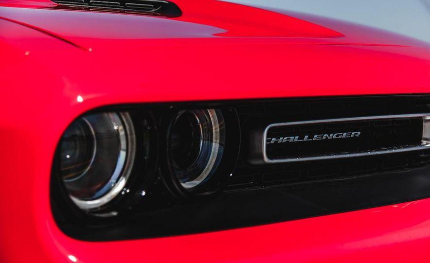 2015 Dodge Challenger R/T Scat Pack - Slide 16
