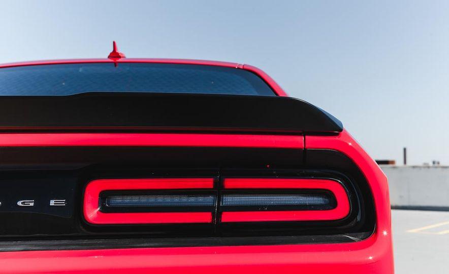 2015 Dodge Challenger R/T Scat Pack - Slide 24
