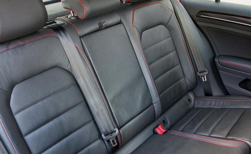2015 Volkswagen GTI 5-door - Slide 32