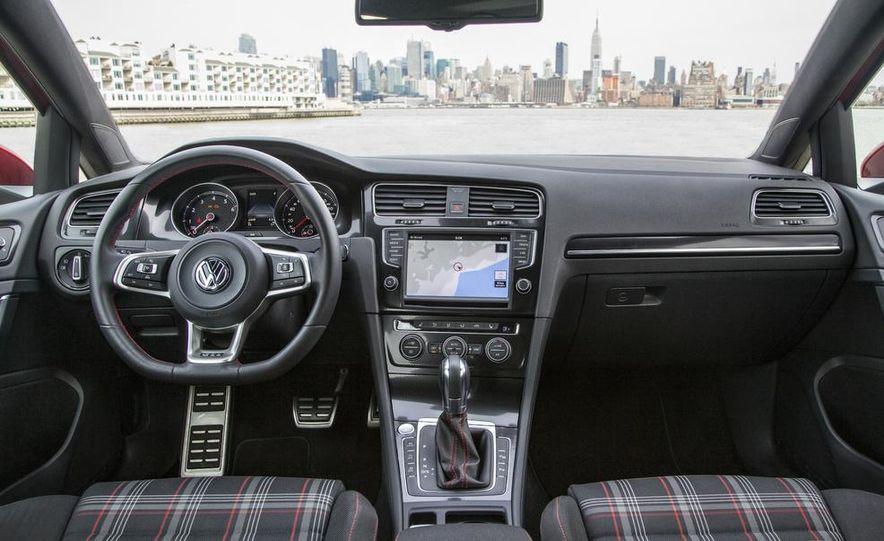 2015 Volkswagen GTI 5-door - Slide 33
