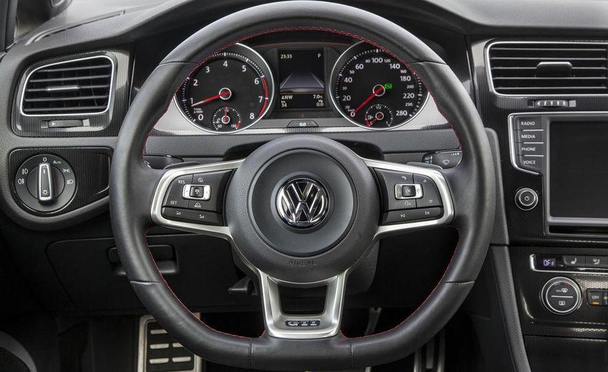 2015 Volkswagen GTI 5-door - Slide 35