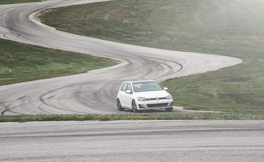 2015 Volkswagen GTI 5-door - Slide 4