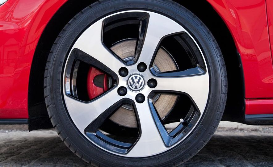 2015 Volkswagen GTI 5-door - Slide 23