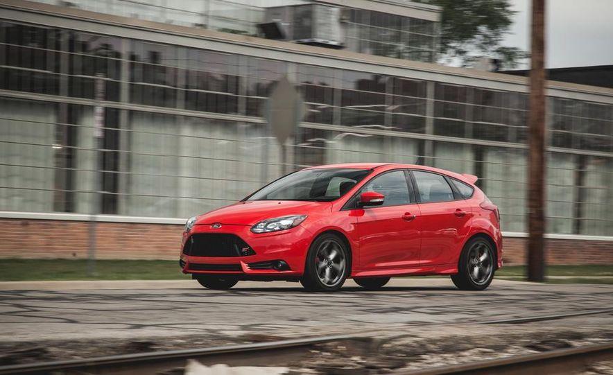 2014 Ford Focus ST - Slide 3