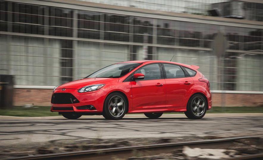 2014 Ford Focus ST - Slide 4