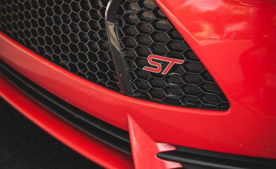 2014 Ford Focus ST - Slide 15