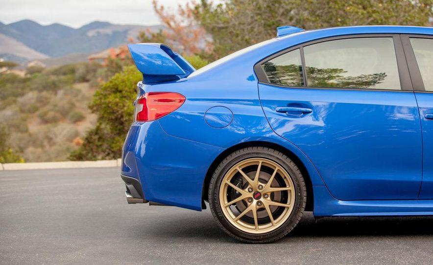 2015 Subaru WRX STI - Slide 17